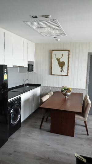 For SaleCondoLadprao, Central Ladprao : Whizdom Avenue Ratchada-Ladprao 2 bedrooms, 2 bathrooms, corner unit, in mint condition. Fully furnished with Calvin klein furniture (all expenses included, negotiable price)