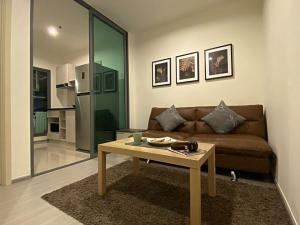 For RentCondoThaphra, Wutthakat : For rent, Aspire Sathorn-Ratchapruek, new room, beautiful decoration, pool view, near BTS Bang Wa