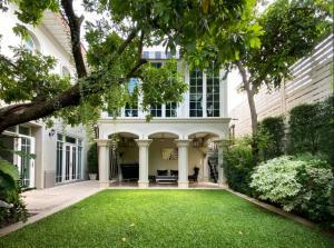 For SaleHouseYothinpattana,CDC : Crystal Park, 2 storey single house 4Bed 5Bath Area 700.0 SQM. 🔥Sale 89 MB🔥