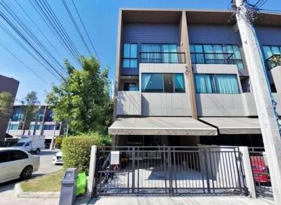 ขายทาวน์เฮ้าส์/ทาวน์โฮมเสรีไทย-นิด้า : ( 1 ) P6 ขายทาวน์โฮม 3 ชั้น บ้านกลางเมือง ลาดพร้าว-เสรีไทย หลังมุม ติดถนนเสรีไทย 52 ใกล้เดอะมอลบางกะปิ