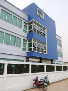 For SaleFactorySamrong, Samut Prakan : BS730 4 storey building for sale, area 1 rai, Srinakarin area. near Wat Nam Daeng Suitable for factory, warehouse