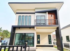 ขายบ้านเชียงใหม่ : บ้านสร้างใหม่ สไตล์โมเดิร์น ตั้งใกล้แยกกองทราย ถนนต้นยาง ต.หนองผึ้งใกล้ตัวเมืองเชียงใหม่