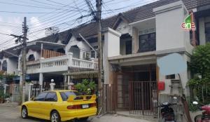 For SaleTownhouseRatchadapisek, Huaikwang, Suttisan : Townhouse 2 floors, Charoen Suk Village, Soi Ratchada 36, Intersection 1, Chatuchak District, Bangkok.