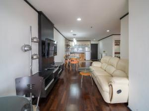 For RentCondoSukhumvit, Asoke, Thonglor : Condo for rent Water Ford Diamond 30/1  Type 2 bedroom 1 bathroom Size 70 sq.m. Floor 40