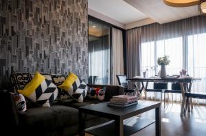 For RentCondoSukhumvit, Asoke, Thonglor : Condo for rent Noble Reveal Type 2 bedroom 2 bathroom Size 83 sq.m. Floor 17