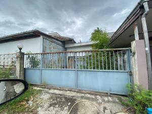 For RentWarehouseBangna, Bearing, Lasalle : Warehouse for rent, Soi Bangna-Trad 16, area 60 square meters.
