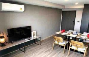 For RentCondoSukhumvit, Asoke, Thonglor : Condo for rent The Teak Sukhumvit 39 Type 2 bedroom 2 bathroom Size 58 sq.m. Floor 6