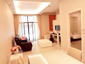 For RentTownhouseChengwatana, Muangthong : 3370-A😊 For RENT 3-storey townhouse for rent, 4 bedrooms🚄near near The Mall Ngamwongwan🏢Flora Wong Sawang 🔔 House area: 22.00 sq wa 🔔 Usable area: 190.00 sq m Rent: 35,000฿ 📞O88-7984117,O65-9423251 ✅LineID:@sureresidence