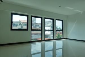 For RentTownhouseSathorn, Narathiwat : Townhouse Sathorn for rent, 3.5 storeys, 4 BR, 240 sqm, 30 sqw for housing or commercial