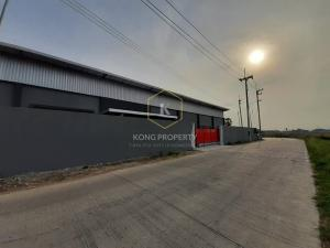 For RentWarehouseRangsit, Patumtani : Warehouse with office for rent, 380 sq m, Lam Luk Ka Khlong 9, Pathum Thani.