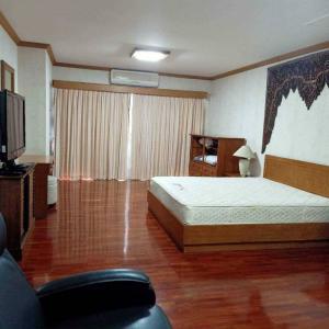 For RentCondoChiang Mai : 3381-A😊😍 For ให้เช่าและขาย 4 ห้องนอน Duplex🚄ใกล้เซ็นทรัลเชียงใหม่🏢ฟลอรัล เชียงใหม่ คอนโด Floral Chiangmai Condo🔔พื้นที่:313.00ตร.ม.💲เช่า:60,000฿💲ขาย:16,000,000฿📞O88-7984117,O65-9423251✅LineID:@sureresidence