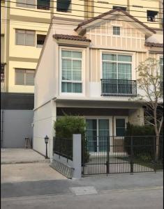 เช่าทาวน์เฮ้าส์/ทาวน์โฮมบางนา แบริ่ง : ทาวน์โฮมให้เช่า โครงการ อินดี้ บางนา ราม2 หลังมุมสวย บ้านใหม่