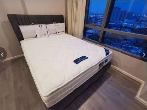 For SaleCondoOnnut, Udomsuk : Condo for sale The Room Sukhumvit 69 fully furnished.