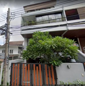 For RentTownhouseSukhumvit, Asoke, Thonglor : LBH0136 Townhome for rent, 4 floors, Thonglor 20, in a quiet alley, safe but in the heart of the city.