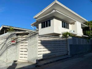 For RentHouseSathorn, Narathiwat : Single House for rent in Sathorn