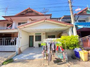 For SaleTownhouseBangbuathong, Sainoi : Townhouse for sale, Baan Pruksa 3, Bang Bua Thong, 4 bedrooms, full of gifts, price can be discussed.