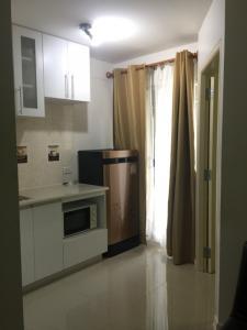 For RentCondoRamkhamhaeng, Hua Mak : Condo next to Bodindecha School (Sing Singhaseni), Building B, 4th floor, garden view room, north, cool breeze, 2 air conditioners, plus sofa bed