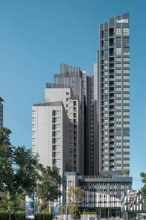 For SaleCondoWongwianyai, Charoennakor : 2 storey condo for sale, Hybrid Ideo sathorn-wongwianyai (Ideo Sathorn-Wongwianyai) 1 bed hybrid 35+10 sq.m., starting price 5.79 million baht, pool view, full furnishings with expenses