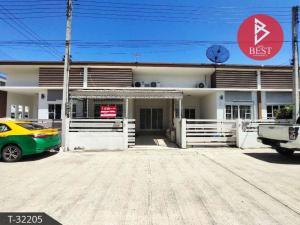 For SaleTownhouseMahachai Samut Sakhon : Townhouse for sale, The Miracle Plus, Economic-Khlong Khru. Samut Sakhon