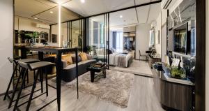 For SaleCondoRatchathewi,Phayathai : Best value in Rangnam area, Ideo Mobi Rangnam, size 1 bedroom, price 5.49 million baht, contact 0869017364