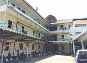 For SaleBusinesses for saleChiang Mai : Urgent sale, Jed Yod dormitory, 30 rooms near Maya Chiang Mai Department Store, area 130 square meters
