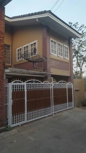 For SaleTownhousePinklao, Charansanitwong : 2 storey townhouse for sale, in the heart of the city, at Bang Khun Non, good location.. convenient to travel