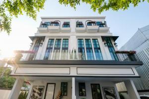 For SaleHouseSukhumvit, Asoke, Thonglor : (Owner) luxury detached house Heart of Sukhumvit cheaper than a condo Brand new house, 268 sq.m., 31 sq.wa., 33 million baht.