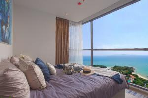 For SaleCondoPattaya, Bangsaen, Chonburi : Sea view luxury condo On Pratumnak Hill Pattaya suitable for investment.