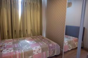 For RentCondoRatchathewi,Phayathai : 2 bedrooms, 2 bathrooms, very beautiful view, both double beds ! 2 bedrooms, the last room