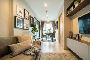 For RentCondoSukhumvit, Asoke, Thonglor : Condo Rhythm Sukhumvit 36-38, luxury decoration, size 34 sq.m., 22nd floor.