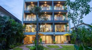 For SaleBusinesses for saleChiang Mai : Luxury hotel for sale next to the Ping River, Chiang Mai.
