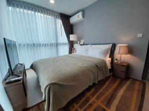 For RentCondoSukhumvit, Asoke, Thonglor : 3399-A😊😍 For RENT & SELL 2 bedrooms for rent and sale🚄near BTS Ekamai🏢Taka House Ekamai 12 Taka Haus Ekamai 12 Area:64.76 sq m💲Rent:59,000฿💲Sale:13,440,000฿ 📞O88-7984117,O65-9423251✅LineID:@sureresidence