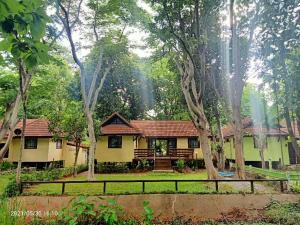 เช่าบ้านสระบุรี : ☘️บ้านพักRenovateใหม่ทำเลทอง@ศุภาลัยป่าสักรีสอร์ท สระบุรี ใกล้กทม.(120กม) ปลอดภัยไร้Covid🌈