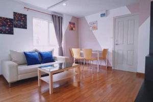 For RentCondoOnnut, Udomsuk : ให้เช่า Regent Home 22 ห้องมุมวิวสระว่ายน้ำ+วิวสวนสวย