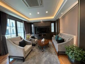 ขายบ้านพระราม 3 สาธุประดิษฐ์ : Selling : Luxury House  In Rama 3 , 3 Bed bed 4 bath  2 Parking Lot , 361 sqm , 28 sqw