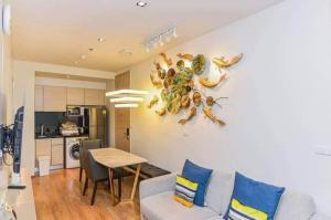 For RentCondoSukhumvit, Asoke, Thonglor : 🔥 For rent 2 Bed 56 Sqm. 🔥 _Condo Park 24_BTS Phrom Phong 650 m.