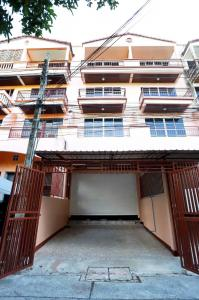 For SaleTownhouseLadprao, Central Ladprao : 3446-A😍 For SELL Townhouse for sale 4.5 storeys, 4 bedrooms 🚄 near MRT Bang Kapi 🏢 Lat Phrao 🔔 House area: 22.00 sq wa 🔔 Living area: 396.00 sq m 💲 For sale: 4,200,000฿📞O88-7984117 ,O65-9423251✅LineID:@sureresidence