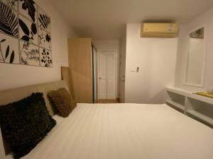 For RentCondoOnnut, Udomsuk : 1 bedroom, beautiful decoration, 5th floor, The Link Sukhumvit 50 condo, for rent 12,500 baht per month.
