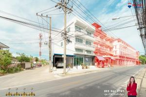 For SaleShophouseEakachai, Bang Bon : Commercial building, cheap price, newly renovated, 2021 Kanlapaphruek Rd., Kamnan Man 49 sq.wa. 6.95 million baht.