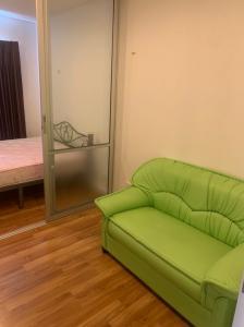For RentCondoLadkrabang, Suwannaphum Airport : Budget room for rent, 23 sqm, V Condo Lad Krabang (V condo Ladkrabang), Chalong Krung Road, near Techno Lat Krabang In front of Ladkrabang Industrial Estate 5500 baht