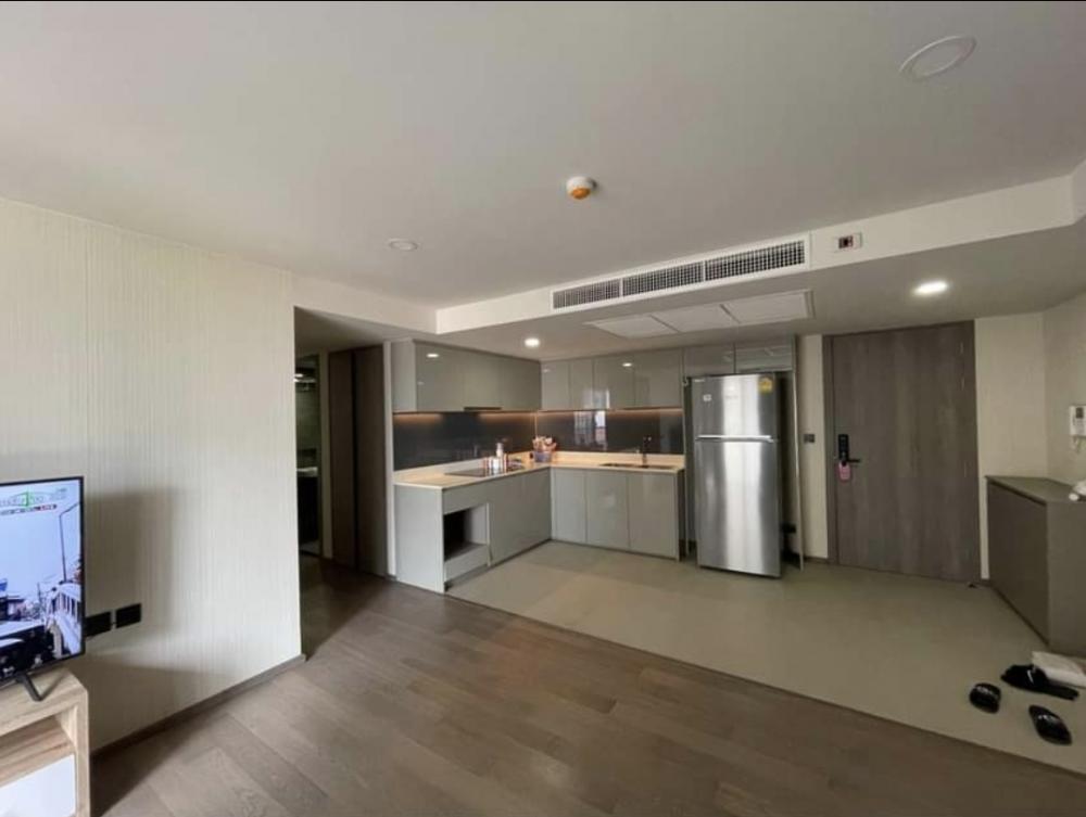 For RentCondoWitthayu,Ploenchit  ,Langsuan : Condo for rent, Klass Sarasin, 2 bedrooms, 2 bathrooms, 82 sqm, low rise condo, just 2 minutes from Lum Park.