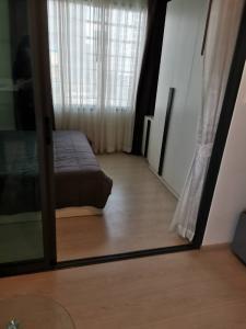 เช่าคอนโดพระราม 9 เพชรบุรีตัดใหม่ : ให้เช่าคอนโด 1ห้องนอน ราคา Covid Rhythm อโศก2 ใกล้ MRT