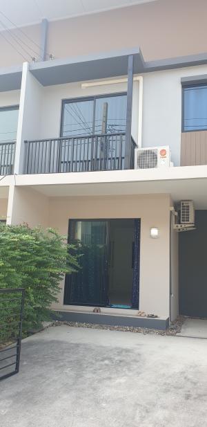For RentTownhouseSamrong, Samut Prakan : Townhome Met Town Bang Bo ABAC for rent.