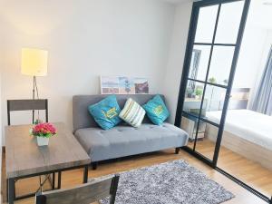 For RentCondoOnnut, Udomsuk : Condo for rent Regent Home Sukhumvit 81 size 28 sq.m. 3rd floor near BTS On Nut.