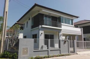 For RentHouseBangna, Lasalle, Bearing : LBH0143 House for rent, atoll lanta resort life, Soi Kanchanaphisek 53.
