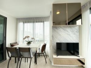 ขายคอนโดสะพานควาย จตุจักร : ขายคอนโด Metroluxe Rosegold พหล-สุทธิสาร 2 ห้องนอน 2 ห้องน้ำ ห้องใหม่ ราคายุคโควิด