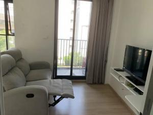 For RentCondoRamkhamhaeng, Hua Mak : Condo for rent, The Base Rama 9 - Ramkhamhaeng, beautiful room with electrical appliances, furniture.