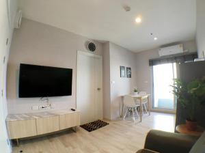 For RentCondoRama9, RCA, Petchaburi : [For rent] Plum Condo Ramkhamhaeng Station, beautiful room, fully furnished. 26 sqm., only 10000 baht/month, near APL Ramkhamhaeng