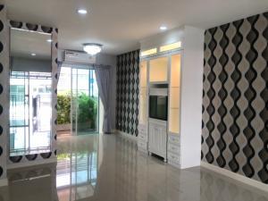 For SaleTownhouseLadprao101, The Mall Bang Kapi : SH5011 3-storey townhome for sale, width 5 meters, Baan Klang Muang University, Ladprao 87 near CDC