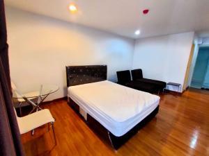 For RentCondoRattanathibet, Sanambinna : New room for rent, Regent Home 25 Tiwanon, next to mrt, ministry 29 sqm, studio, 7th floor, 6500